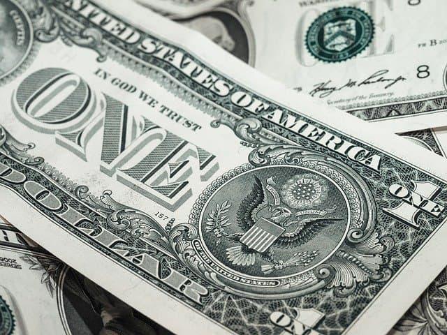 dinero becas para universitarios